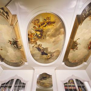 Driedelig plafondschildering met diverse personificaties