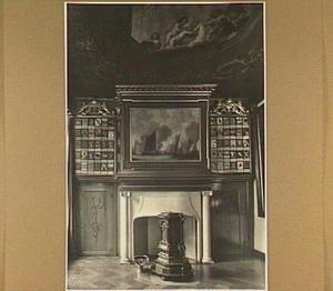 Schoorsteenwand van de regentenkamer