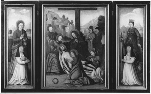 De H. Johannes de Evangelist met een reguliere kanunnikes (links), de bewening (midden), de H. Catharina met een reguliere kanunnikes (rechts)