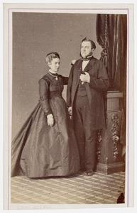 Portret van Carel Willem Adriaan van Valkenburg (1820-1890) en Cornelia Constantia Johanna van Mierop (1834-1928)