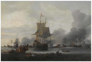 Zeeslag op kalme zee, een zinkend schip op de voorgrond