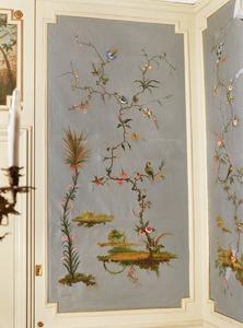 Chinoiserie met tak met bloemen en exotische plant