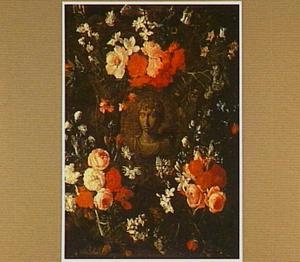 Portretbuste van de Romeinse keizer Marcellus in een omlijsting van bloemen