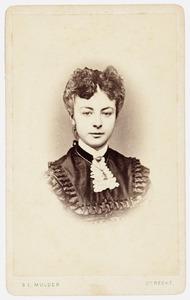 Portret van Hillegonda Maria van Toulon van der Koog (1857- )