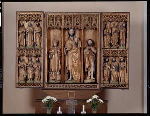 De twaalf apostelen (binnenzijde luiken); Johannes de Doper, Christus als Salvator Mundi, H. Nicolaas (middendeel)