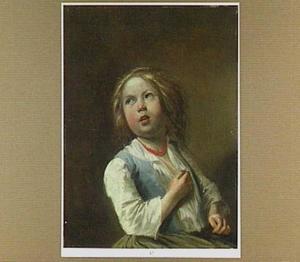 Jong meisje met een rode kralenketting