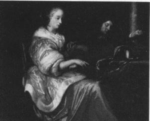 Muciserende vrouw en man in een interieur