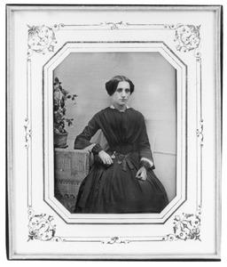 Portret van een vrouw, waarschijnlijk Maria Elisabeth Bichon (1826-1909)