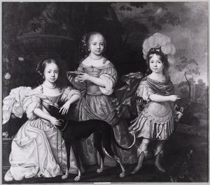Groepsportret van Charlotte Eleonora zu Dohna (1660-1735), Amalia Louisa zu Dohna (1661-1724) en Friedrich Christoph zu Dohna-Carwinden (1664-1727)