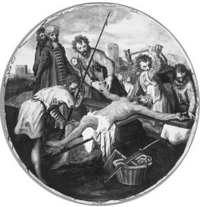 Christus wordt aan het kruis genageld