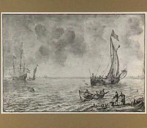 Schip en boten voor de kust
