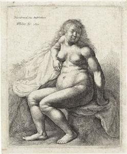 Naakte vrouw zittend op een verhoging
