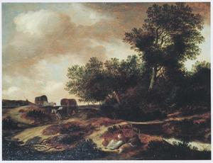 Bosachtig landschap met twee rustende boeren