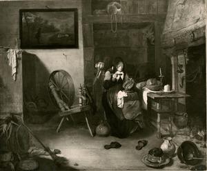 Oude vrouw die pap eet bij een spinnewiel en een gedekte tafel in een interieur