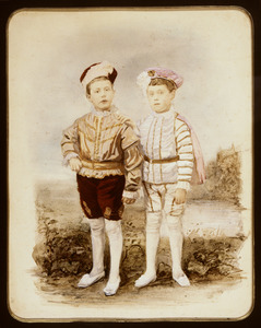 Dubbelportret van Jhr. Pieter Hendrik Reynst (1878-....) en Jhr. Joan Cornelis Reynst (1879-....)