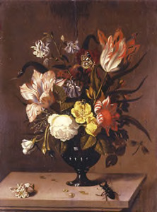 Bloemen in een vaas, met een vliegend hert, op een stenen plint
