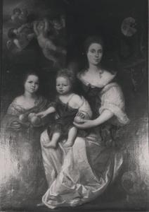 Portret van Christina Pompe (1647-1722)  en haar dochters Lucia Mondina Beelaerts (1684-1733) en Mondina Maria Beelaerts (1690-1739)