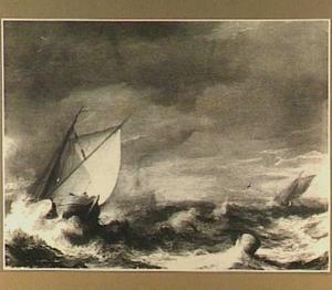 Schepen op zee in stormachtig weer