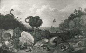Kustgezicht met vogels, een stilleven van schelpen en Perseus die Andromeda redt in de achtergrond