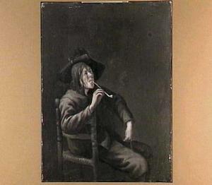 Pijprokende jongeman op een stoel