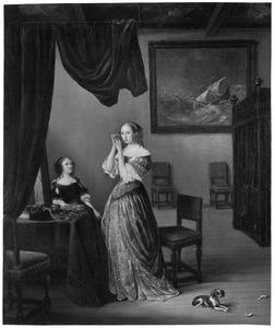 Jonge vrouw in een interieur maakt toilet terwijl een ander toekijkt