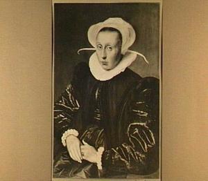 Portret van de echtgenote van Hendrik van Opmeer