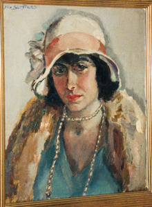 Portret van een vrouw met hoed en halsketting