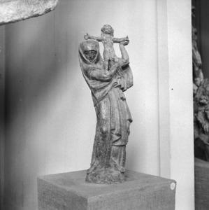 Het atelier van Antoine Bourdelle met het beeld 'Vierge à l'Offrande'