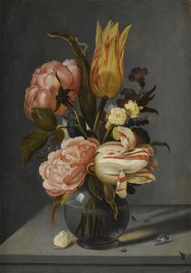 Stilleven van bloemen in een glazen vaas