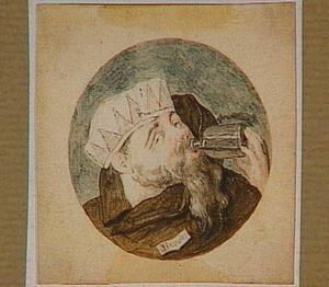 Monnik met een papieren kroon, die uit een flesje drinkt
