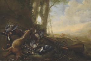 Jachtstilleven met haas, patrijzen en musket in een rivierlandschap