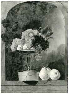 Een stillleven met een tazza, een spanen doos en vruchten in een nis