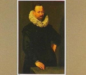 Portret van een 52-jarige man met een kraag 'à la confusion'