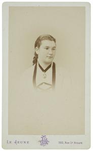 Portret van Mathilde Wilhelmina Johanna Jacoba van der Vliet (1857-1940)
