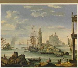 Schepen voor een mediterrane haven met voor de kust een vuurtoren op een eilandje