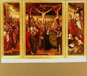 De kruisiging, met op de zijluiken de kruisdraging (links) en de kruisafneming (rechts)