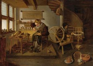 Schoenmaker in zijn werkplaats met een vrouw aan het spinnewiel