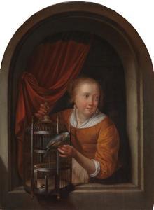 Jonge vrouw in een boognis met een papegaai en een kooi