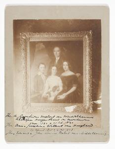 Portret van Godefridus Andreas Melort  (1792-1870), Anna Josephina Wittert van Hoogland (1805-1878) en hun kinderen