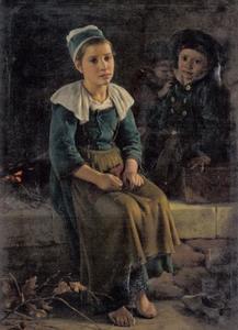 Meisje met breiwerk en twee kleine jongens warmen zich aan een kamptvuur