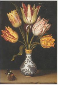 Tulpen in een Wanli vaas