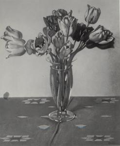 Tulpen in een glazen vaas