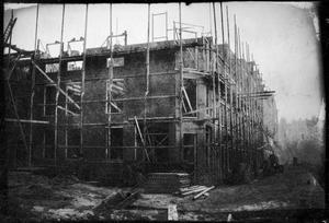 Gezicht op de nieuwbouw in de omgeving van het Jacob van Lennepkanaal