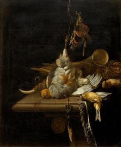 Stilleven met dode vogels en jachtgerei op een marmeren tafel