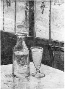 Stilleven: Absinthe in een karaf, daarbij een glas