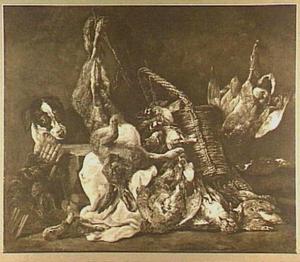 Hond bij mand met gevogelte en opgehangen haas