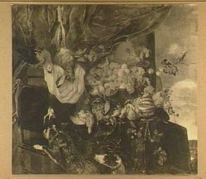 Stilleven van vruchten, gevogelte en haas; linksboven een papegaai en onder twee honden