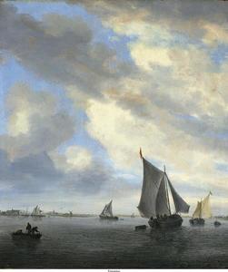 Weids rivierlandschap met zeilboten, linksvoor een roeiboot met vissers,  in het verschiet links een stad