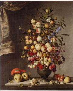 Boeket van vruchten in een vaas, met vruchten, een papegaai, insecten, vlinders, schelpen en een hagedis