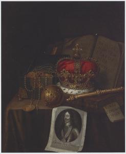 Vanitasstilleven met regalia en prent van koning Charles I